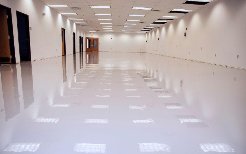 white-smooth-epoxy-slurry-hallway